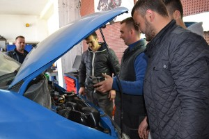 Auto mechanic training  2